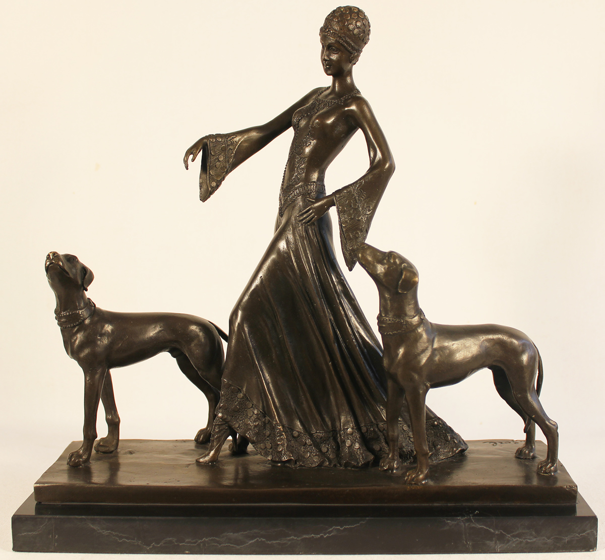 Bronze Statue, Bronze, Society Hounds, click to enlarge